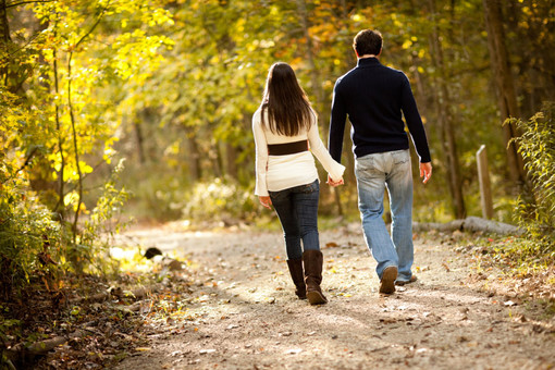 сонник гулять с незнакомой девушкой за руку