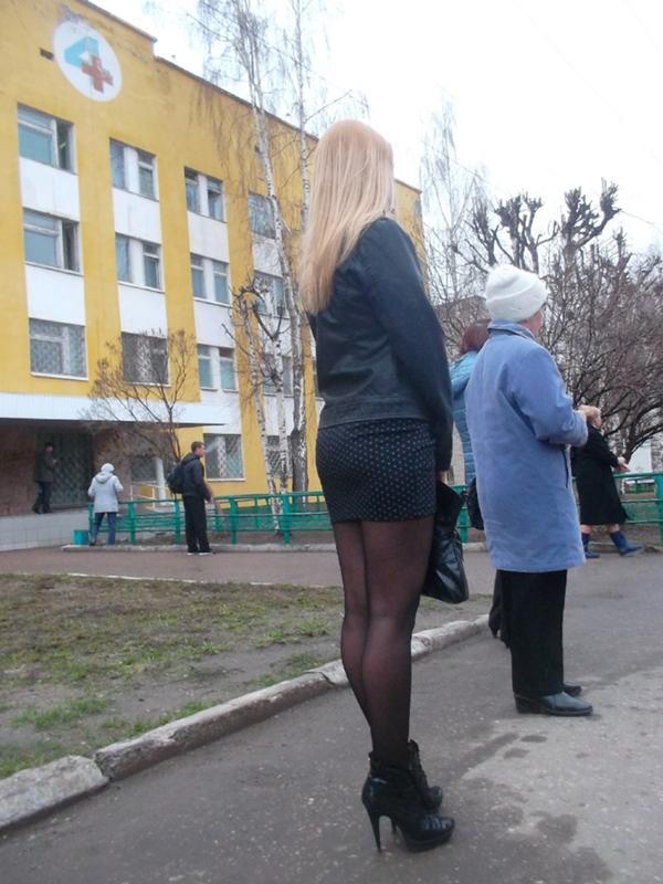 недорослю фото в юбке на улице частное фото постоянно начал представлять