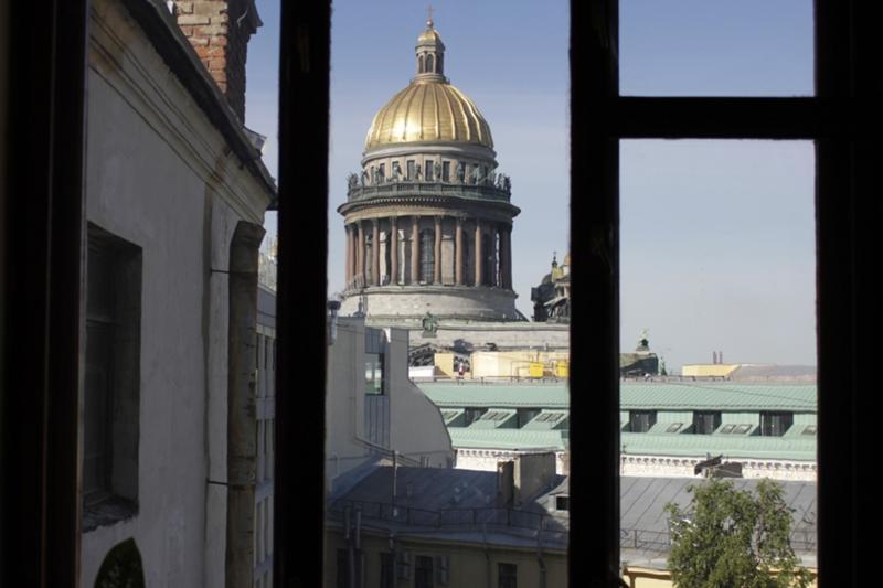 стала картинки вид петербурга из окна перечне