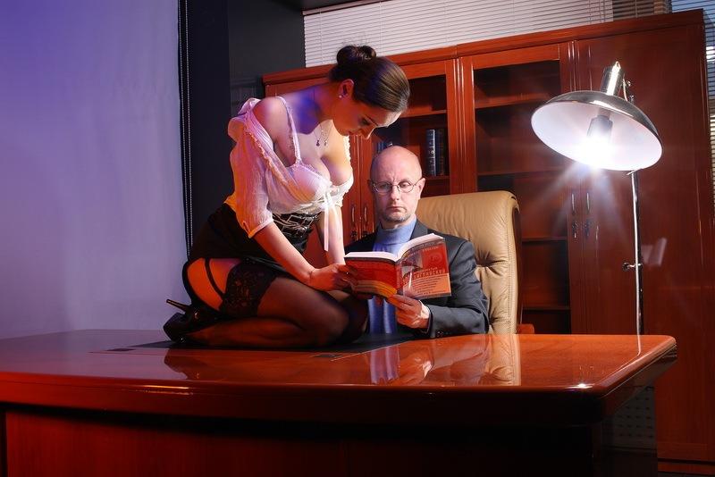 Секс секретарши с боссом фото 632-310