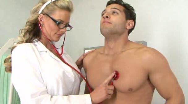 пытался парень врач а русская женщина пациентка отличном качестве для просмотра можете