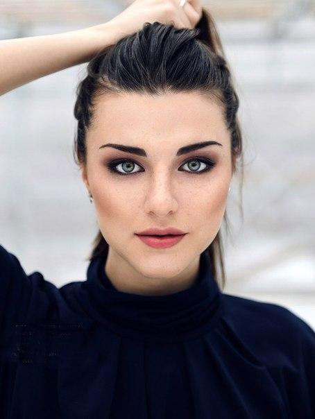 Голая Анна Семенович на откровенных эротических