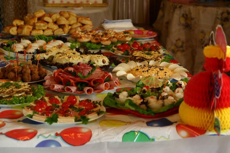 картинки на столе еда