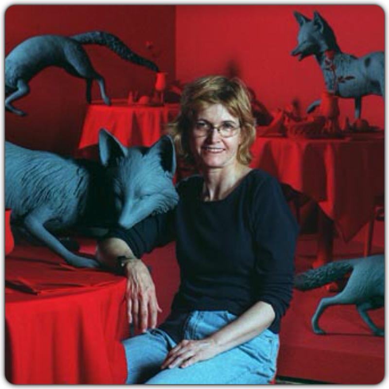 an introduction to the life of sandy skoglund in the forefront of contemporary art in the united sta