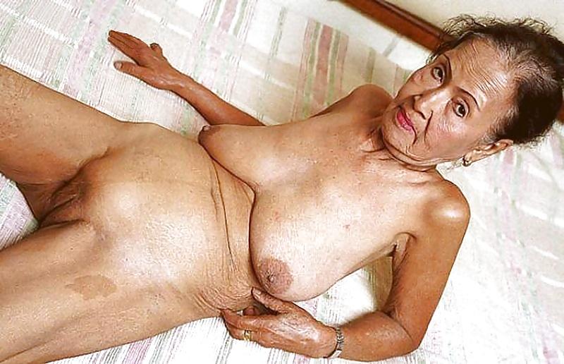 Порно видео голых бабушек старых