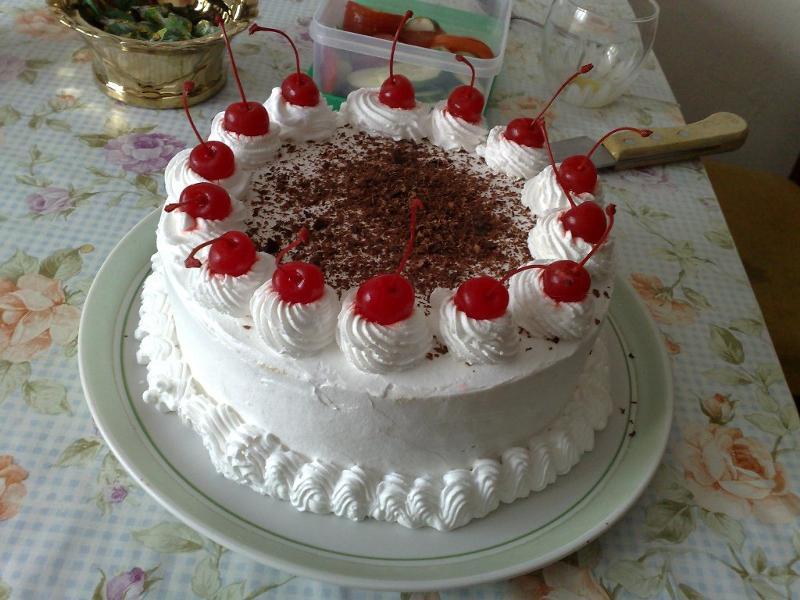Торт со взбитыми сливками фото
