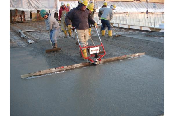 поверхностный вибратор для бетона