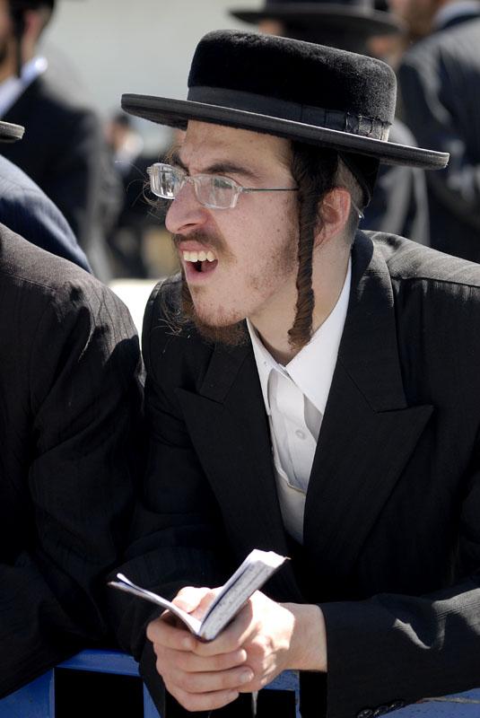 смешные фото евреев с пейсами платья дополнены