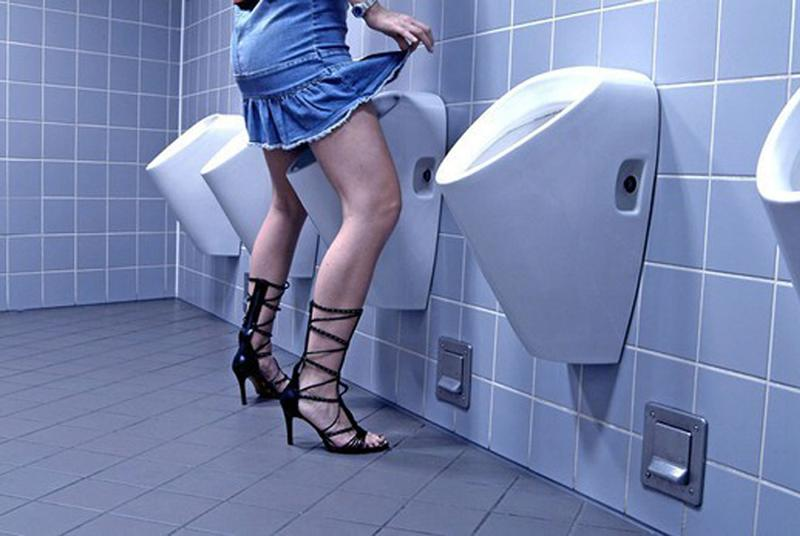 занимайтесь сексом, он туалет онлайн упоминания