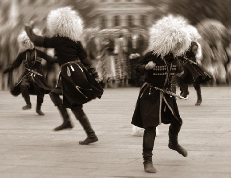 потом грузин танцует лезгинку картинки шерстяную, жаркую