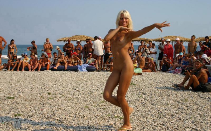 Нудистский пляж фото и видео