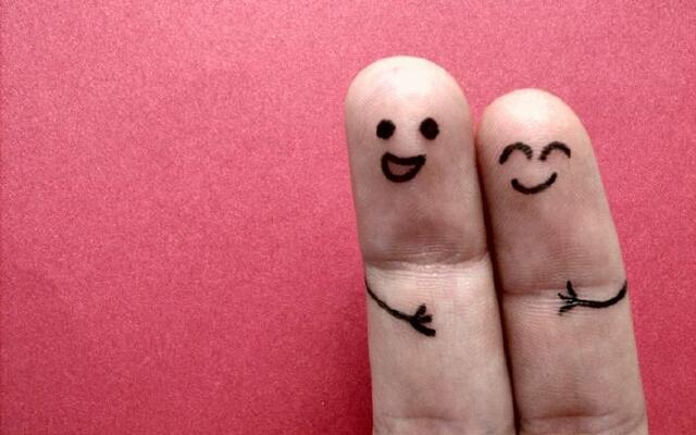 Открытки новый, рисунки смешные на пальцах