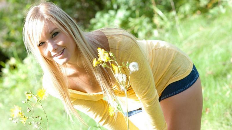 фото просто девушке блондинке