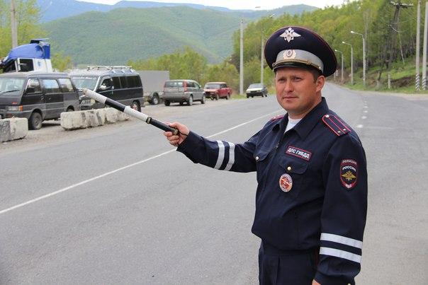 Сонник именинников мая, июня, июля, августа часто проверяющий во сне инспектор — к сокрытию доходов.