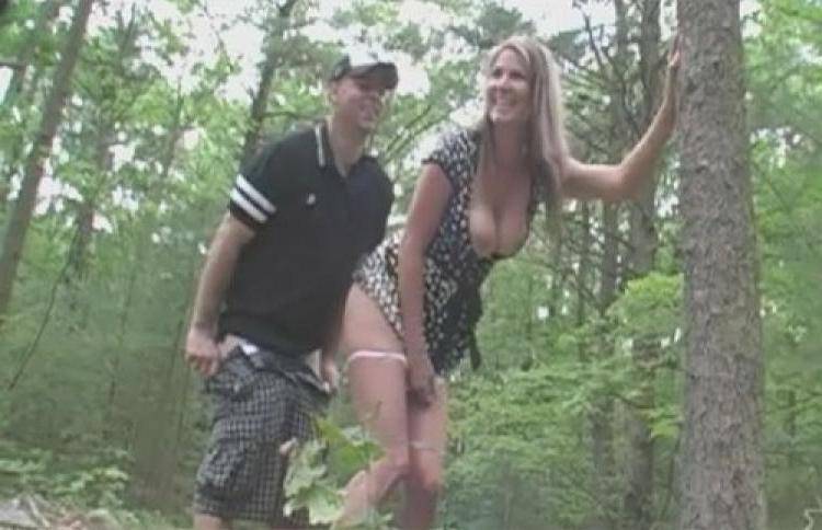 в лесу по быстрому подошел сзади поднял платье несмотря свое тощее