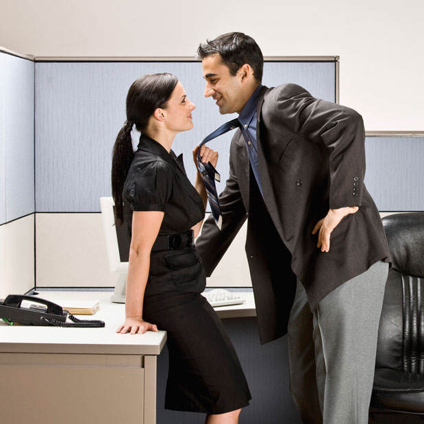секс с коллегой в офисе