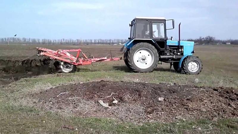 Чему снится трактора к на поле